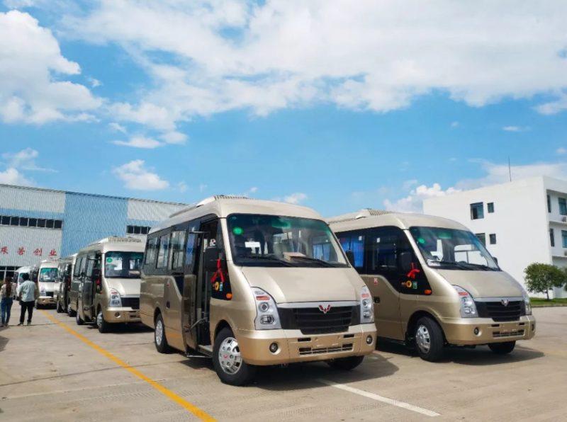 五菱S100旅游客车